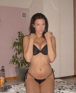 Я девушка, не хочу сегодня провести вечер в одиночестве…. ищу партнера по кровати)))